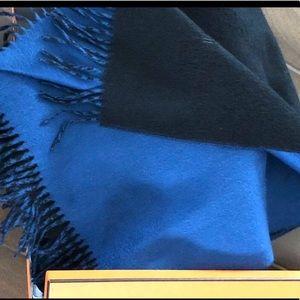 NWT❗️Hermès Cashmere Scarf/shawl in box